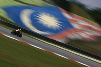 Simoncelli sets best overall time in Sepang