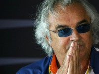 Briatore tells Ferrari to 'focus on 2012'
