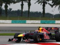 Webber fastest in Friday practice at Sepang