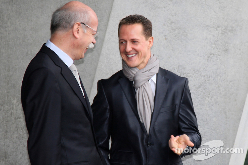 Daimler chief Zetsche backs Schumacher return