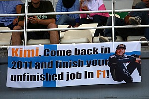 Raikkonen visits Williams team factory - reports