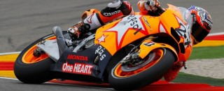 Stoner earns 100th Repsol Honda win