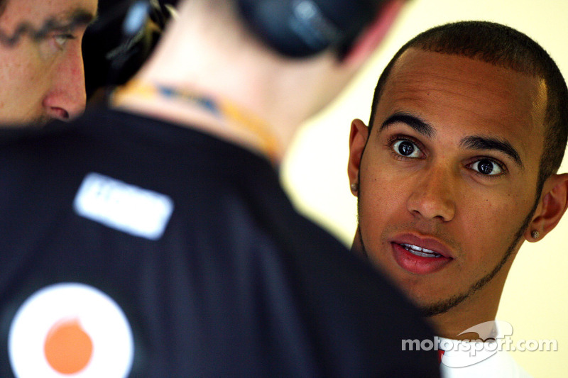 Whitmarsh admits mirror problem for Hamilton