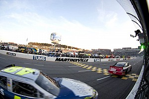 NASCAR Sprint Cup Tony Stewart wins at Martinsville II, moves to second in points
