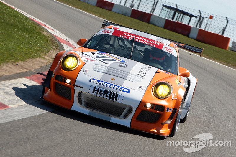 Porsche looks to the 2012 season