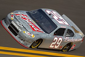 Harvick starts the season with the Daytona Shootout