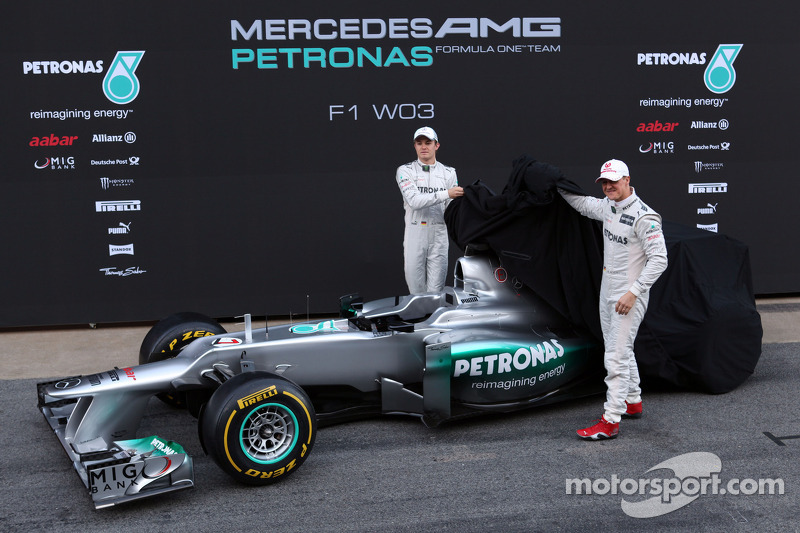 Mercedes hiding new 'double diffuser' concept - reports