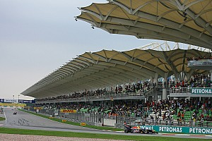 'No pressure' to host race at night - Malaysia
