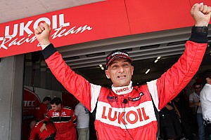 Tarquini Takes Dominant Pole