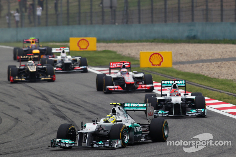 2012 title 'possible' for Rosberg - Schumacher
