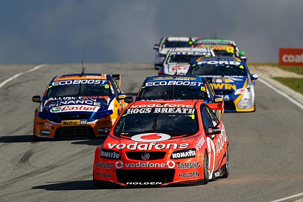 Jamie Whincup reclaims points lead with Darwin win