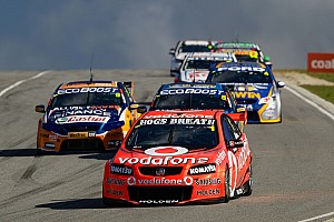 Supercars Jamie Whincup reclaims points lead with Darwin win