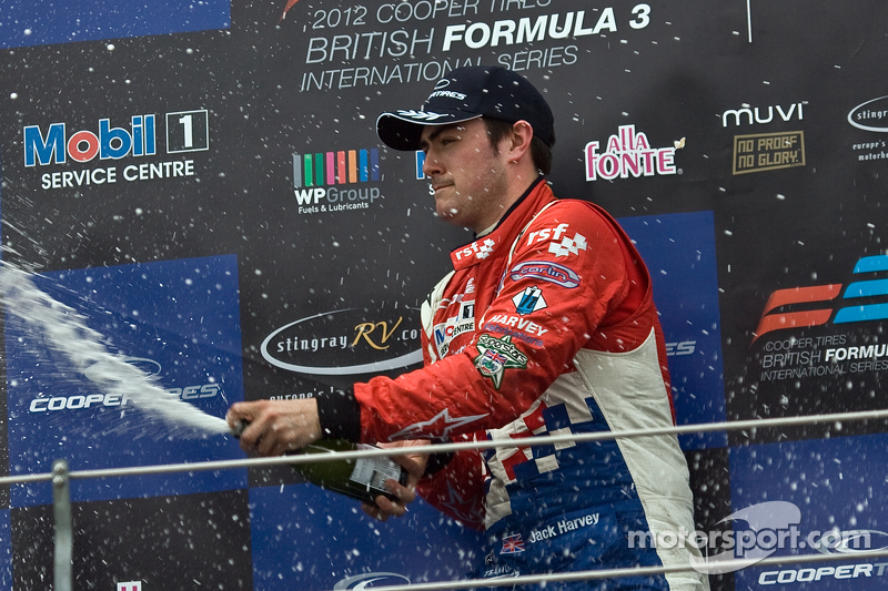 Jack Harvey goes wire-to-wire in Brands Hatch victory