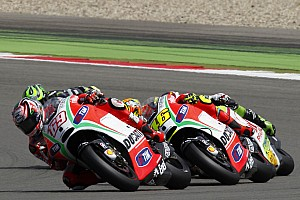 MotoGP Race report Hayden sixth at Dutch TT, Rossi thwarted by a problem