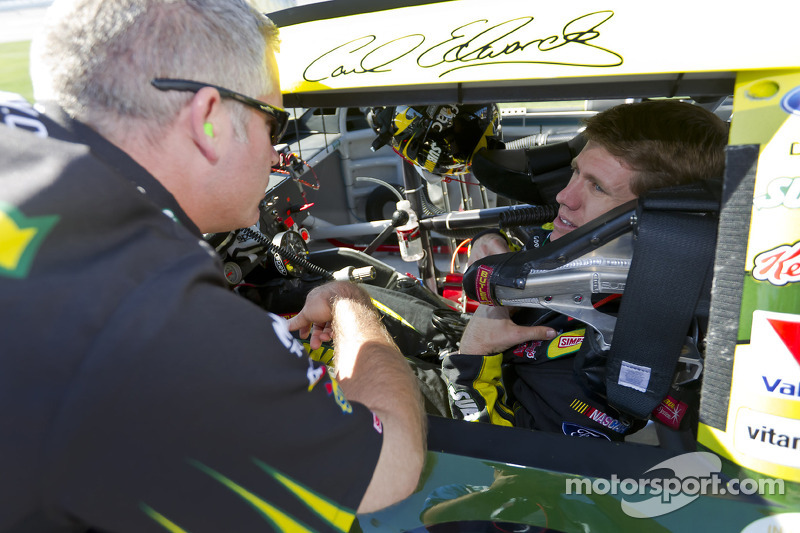 Bob Osborne steps down as crew chief for Carl Edwards' Ford