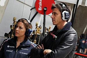 Formula 1 Commentary Wolff rules out testing Williams car - Video