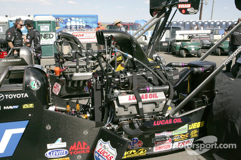 Tech department approves cockpit canopy for Top Fuel