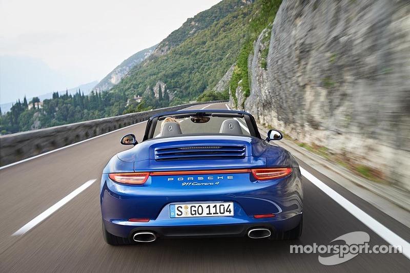 Porsche presents the new 911 Carrera 4 - video