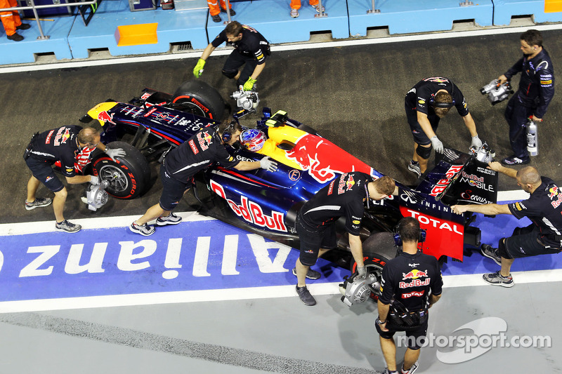 Webber warns Grosjean to run after Singapore shunt