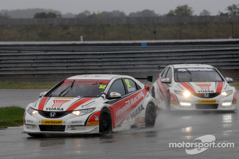 Shedden leads team mate Neal in championship fight after Rockingham