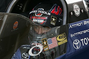 Antron Brown takes top fuel pole at Gateway