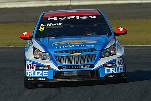 WTCC Qualifying report Menu claims the pole at Suzuka, gives Chevrolet manufacturers' title