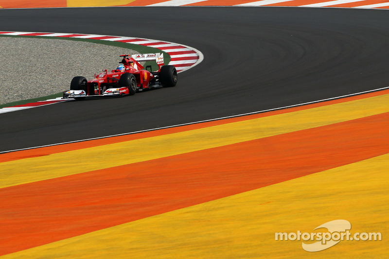 Ferrari 'all talk and no updates' - Alonso