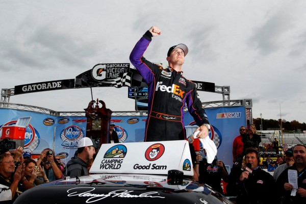 Hamlin goes from last to first at Martinsville