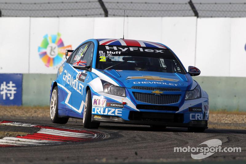 Huff takes the pole at Macau Grand Prix