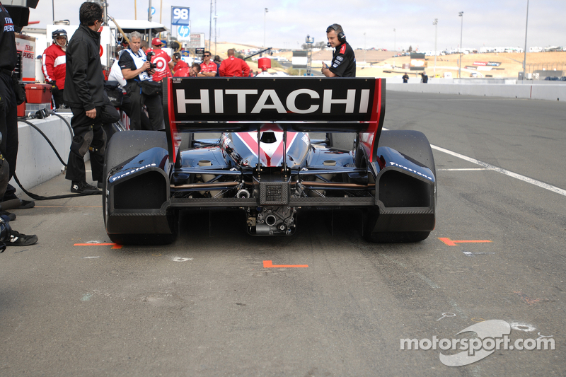 Team Penske and Hitachi continue partnership for 2013