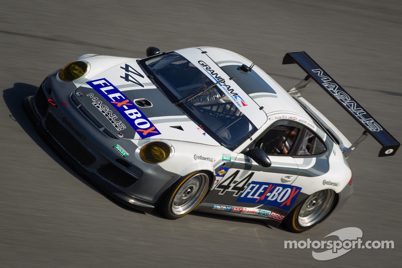 Five Porsches in the GT top-10 in Rolex 24 at Daytona