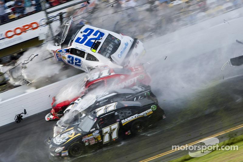 Vicious accident injures 28 at Daytona