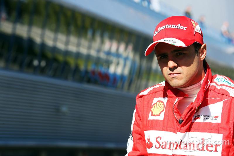 Massa to fight for 2014 Ferrari seat
