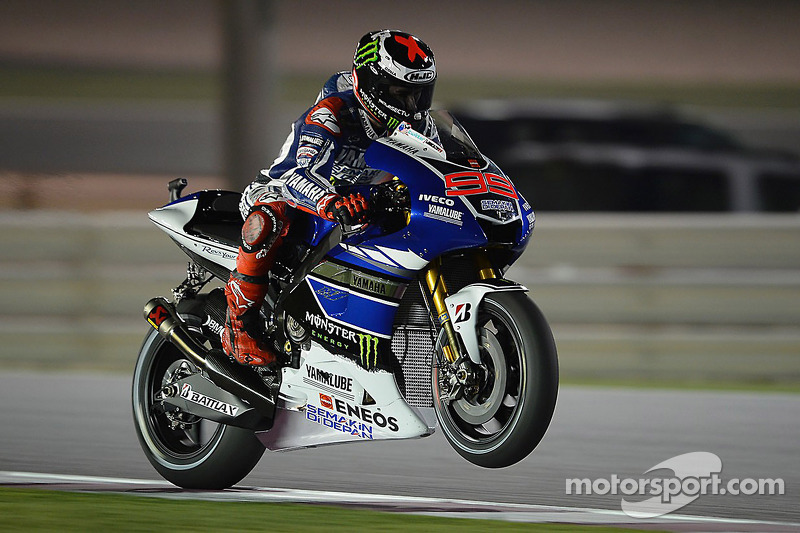Bridgestone: Lorenzo leads under lights in Qatar qualifying