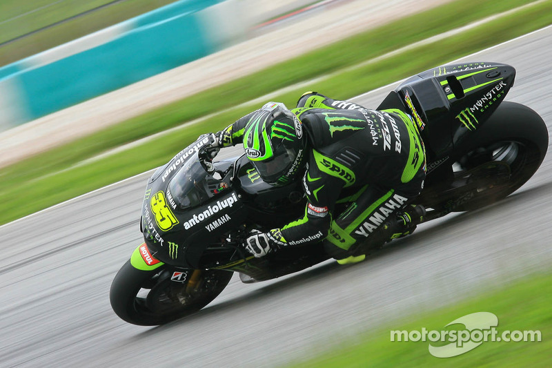 Crutchlow fights for podium in thrilling season opener in Qatar