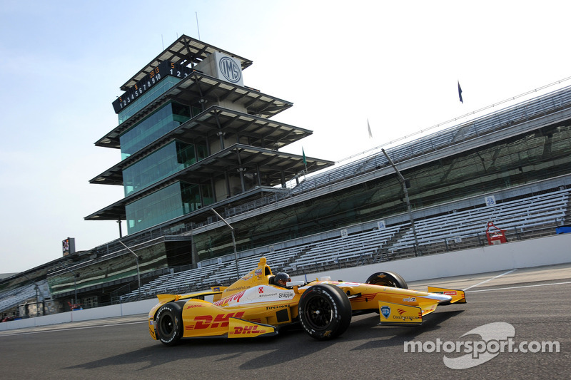 NASCAR champion Kurt Busch completes Indianapolis 500 rookie test
