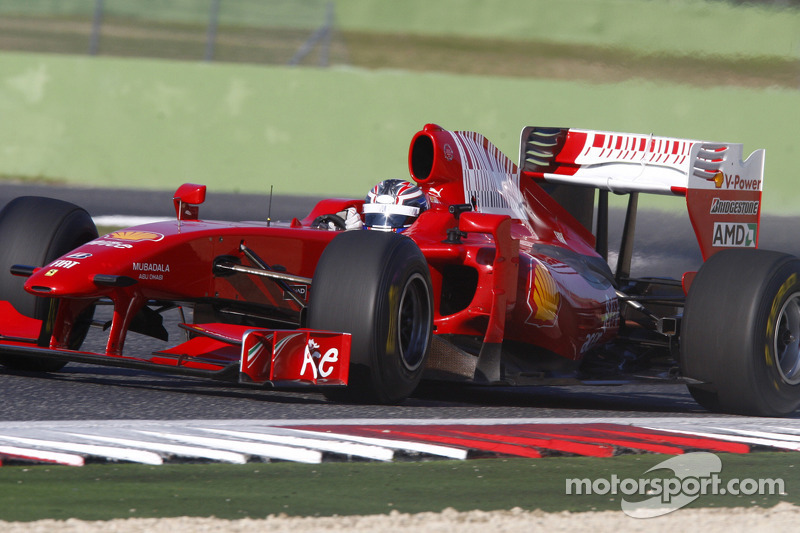 'Rules allow' test with old car - Ferrari