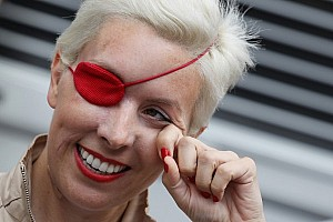 Formula 1 Breaking news De Villota reveals crack in Duxford crash helmet