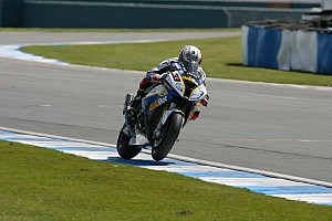 World Superbike Race report BMW Motorrad's Melandri celebrated victory at Portimão
