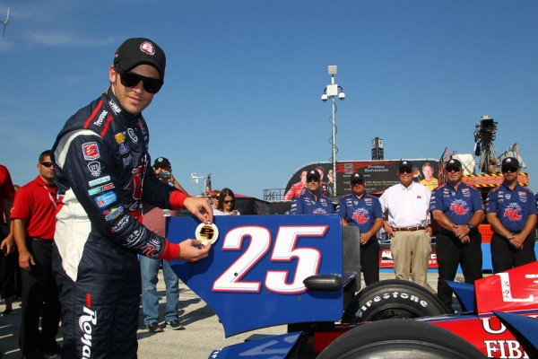 Andretti scores pole in Milwaukee