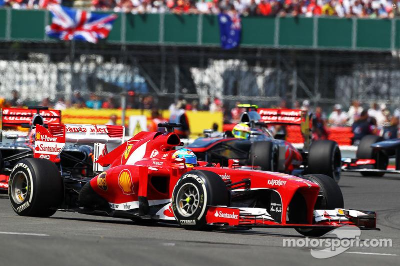 Domenicali backs Alonso, Ferrari car getting 'worse'