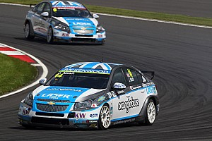 WTCC Race report Nash dominates in Portugal