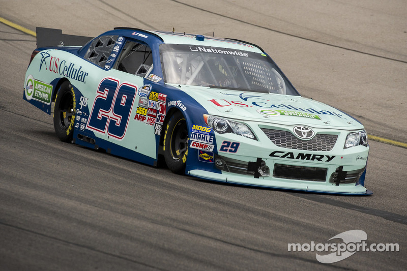Kenny Wallace finishes 22nd after an unscheduled pit stop in Iowa