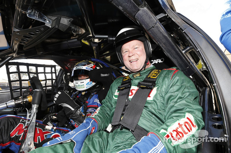 ARU CEO Bill Pulver takes a ride in a V8 Supercar at Sydney Motorsport Park - Video