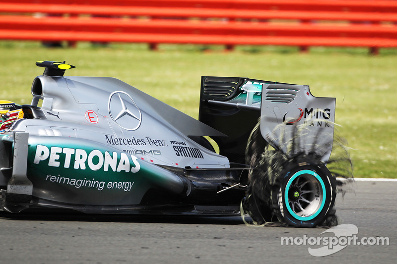 Ecclestone plays down Michelin return reports