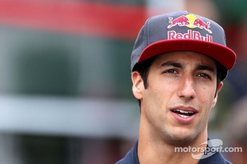 Ricciardo deal 'at least' three years - Marko