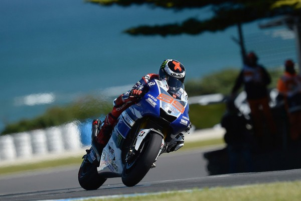 Lorenzo smashes lap record for pole in Philip Island