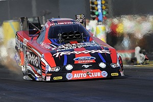 NHRA Qualifying report Langdon, C.Force, Johnson and Arana lead Friday qualifying at Las Vegas