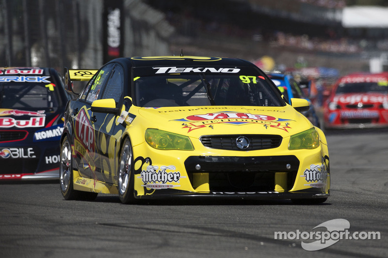 Van Gisbergen season finale win, Whincup is champion
