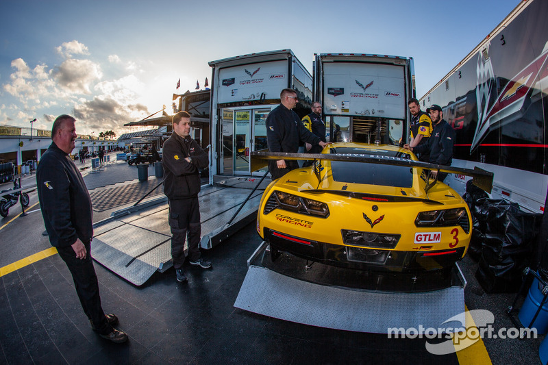 Corvette Racing to provide customer programs with the C7.R